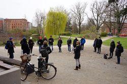 Exkursionsgruppe am Cottbuser Amtsteich